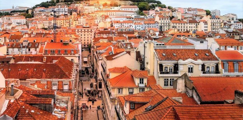 baixa-and-castle-things-lisbon-is-famous-for-a-world-to-travel